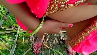 Jungle Ganne Ke Khet Me Chod Diya Bhabhi Ko Desi Outdoor